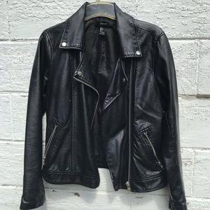 ⚡️Forever 21 Black Pleather Jacket ⚡️